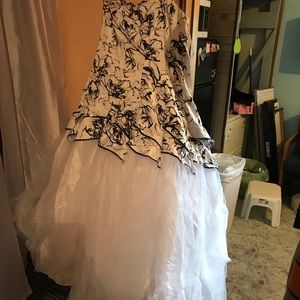 Dresses & Skirts - Deb prom/wedding dress
